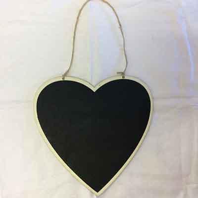 TheVarietyShop_ChalkBoard_HeartHanging_24cmx21cm